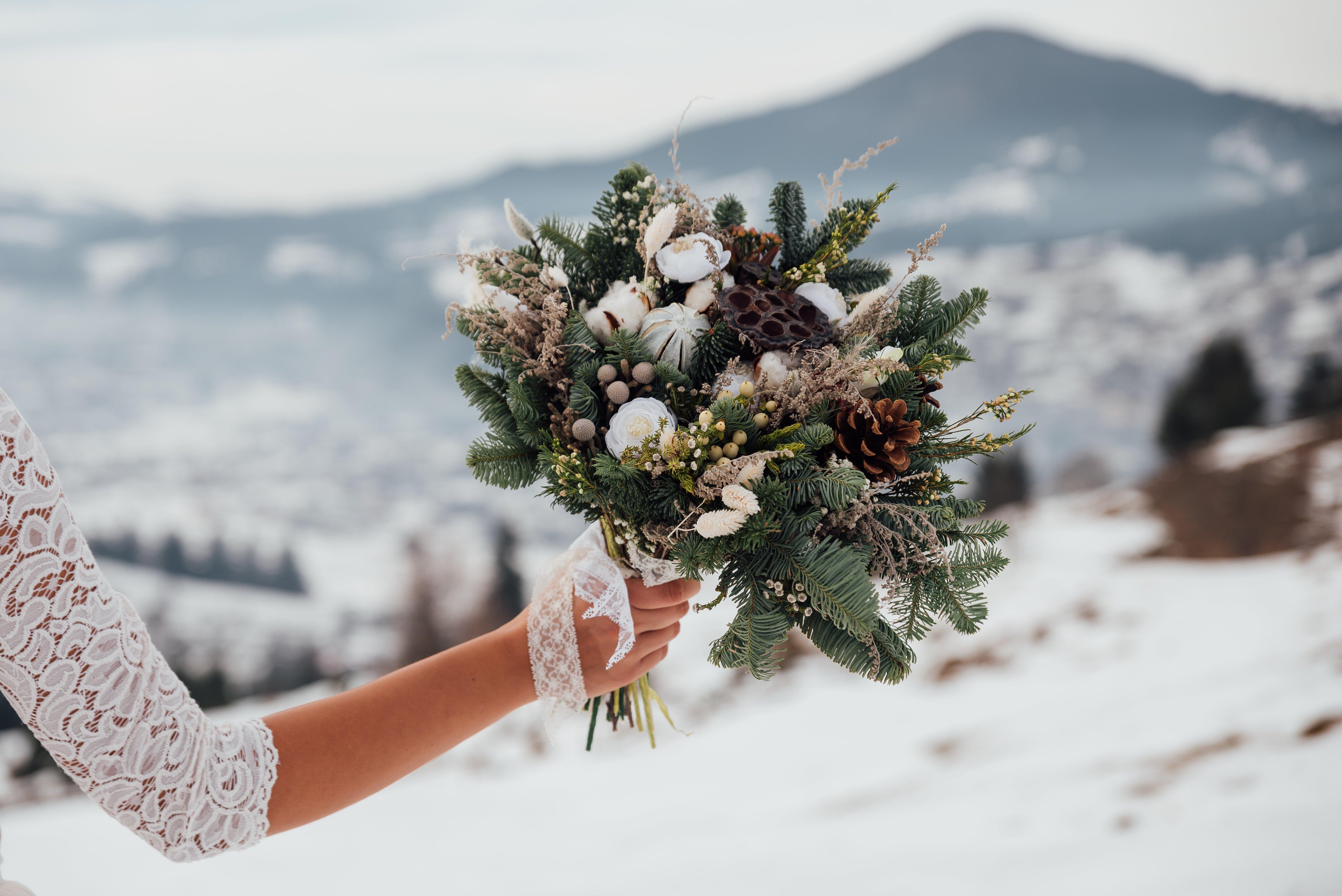 winter bridal bouquet of flowers