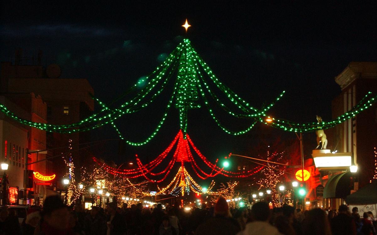 Bozeman Christmas Stroll Infamous Spider Lights