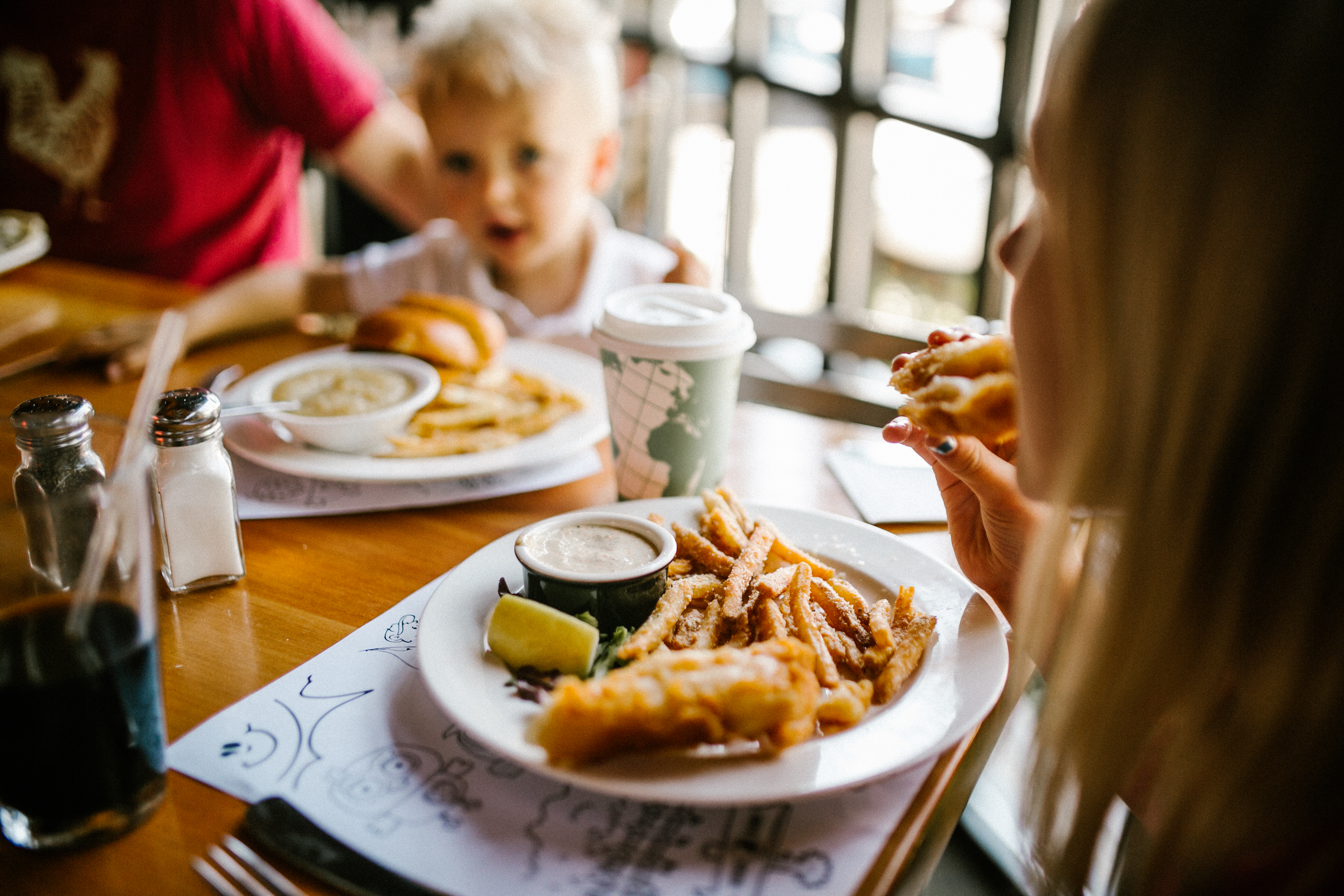 kids dining at Montana Ale Works